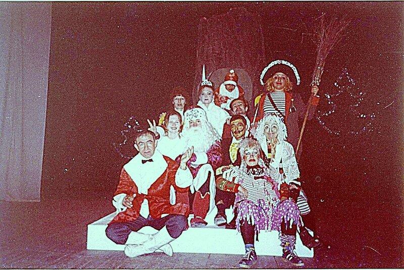 В сказке Новогодней ... В рамках театрально-творческой деятельности (3).jpg