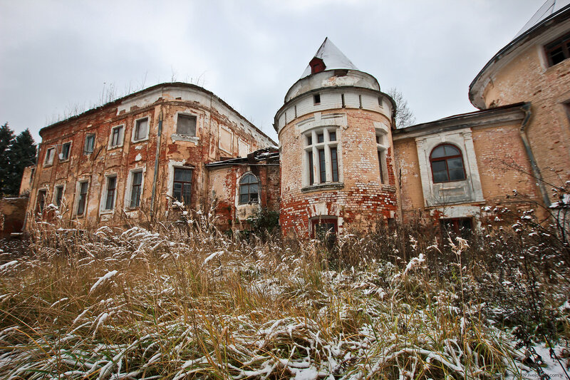 Ивановское-Козловское. Первый снег в заброшенной усадьбе, 2016