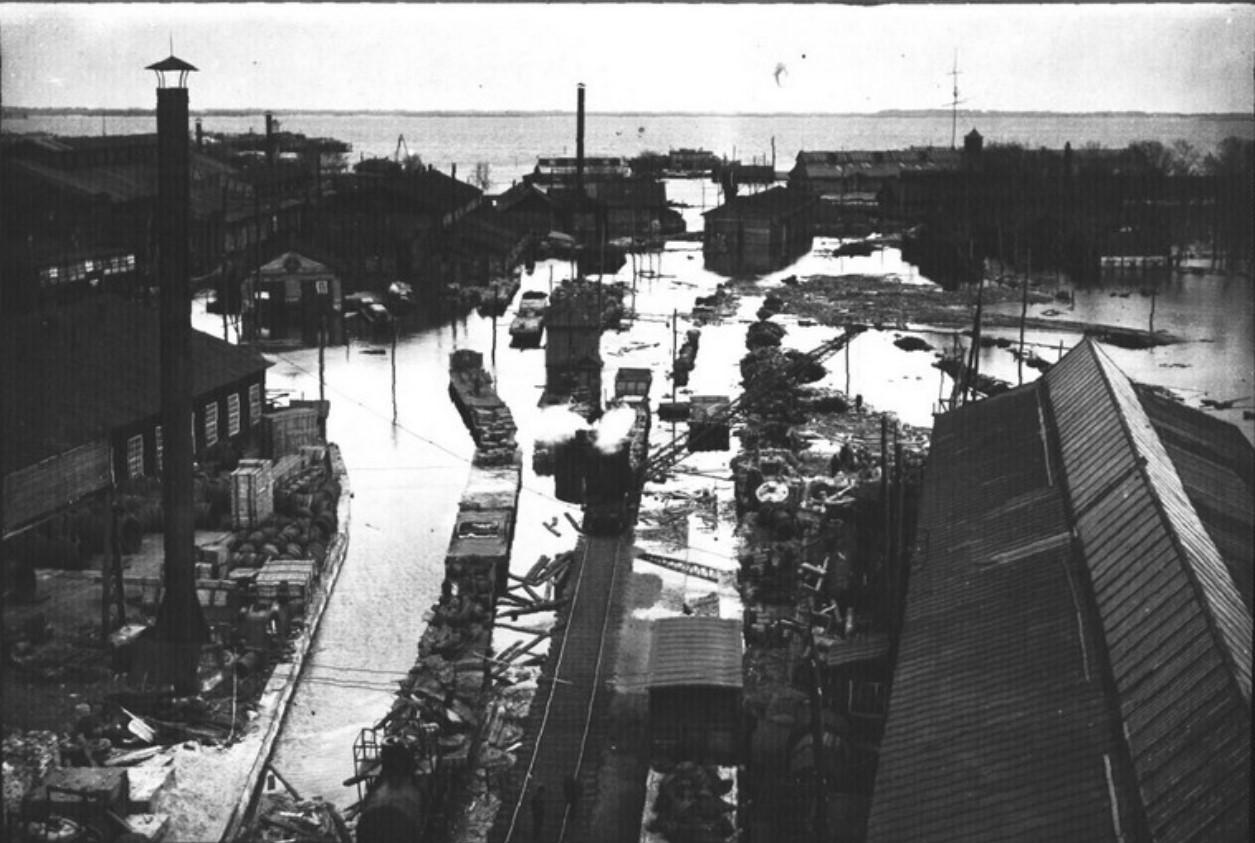 Сормово. Восточная часть Сормовского завода при наводнении