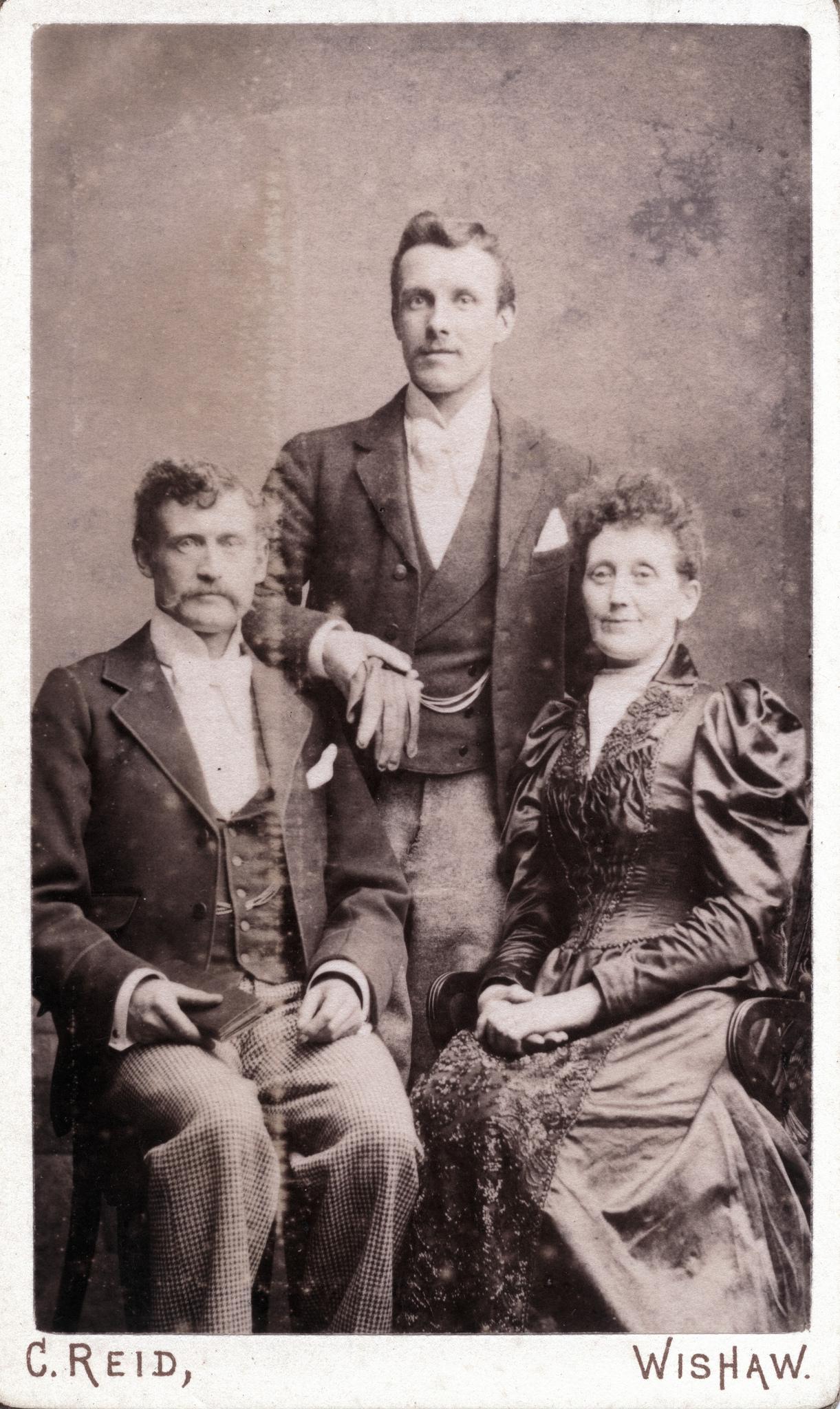 1885. Семейный портрет