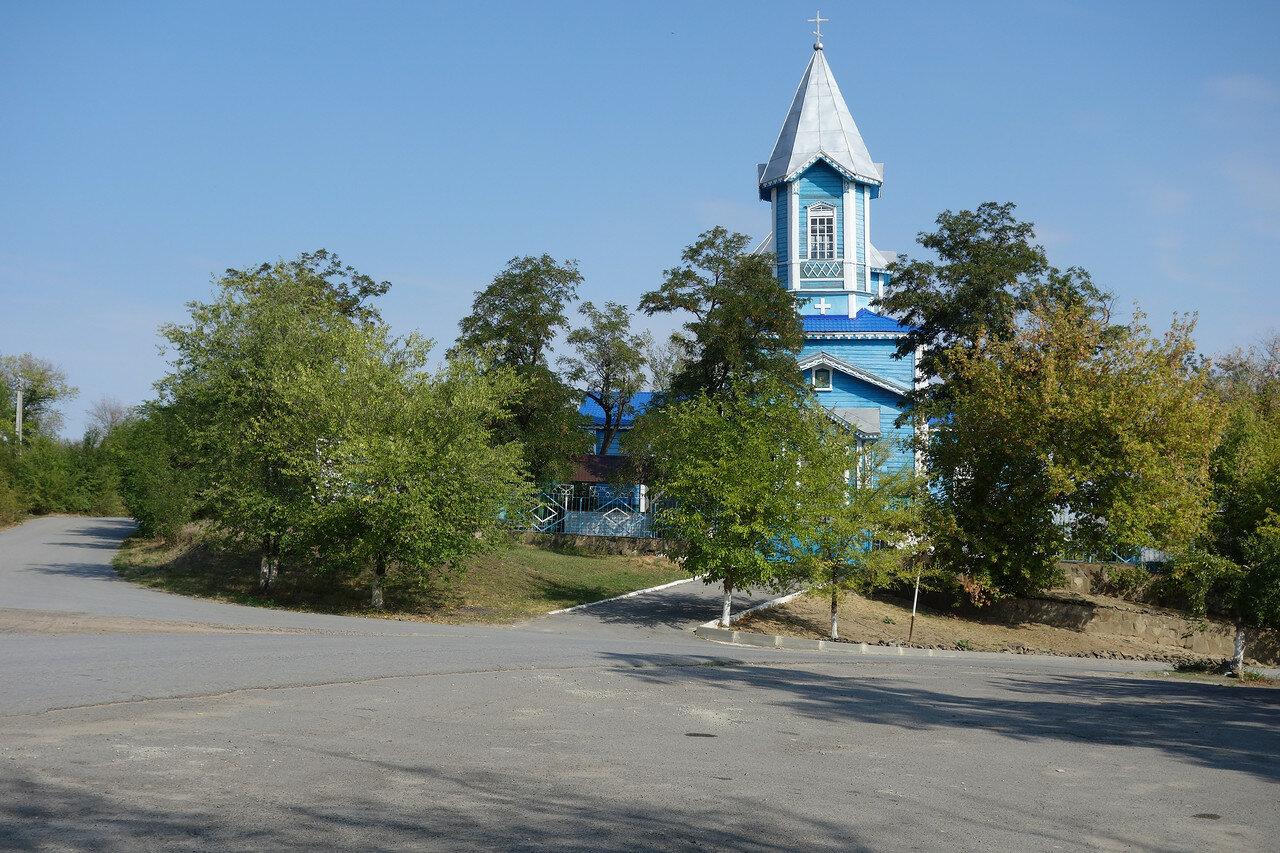 деревянный храм в станице Краснодонецкая