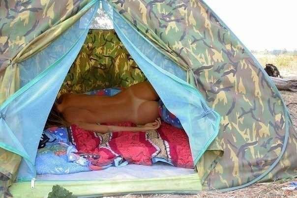 в палатке.jpg