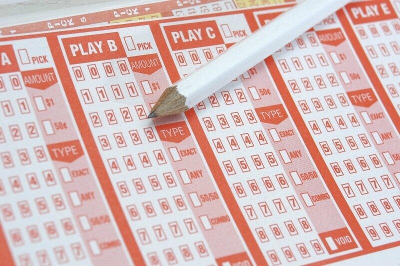Самые большие лотерейные трагедии: выиграть миллионы и потерять всё!