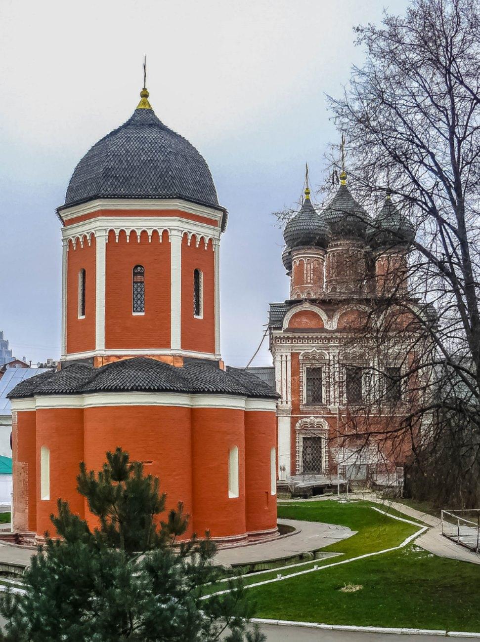 irina-fortuna-vysokopetrovsky-monastery 02.jpg
