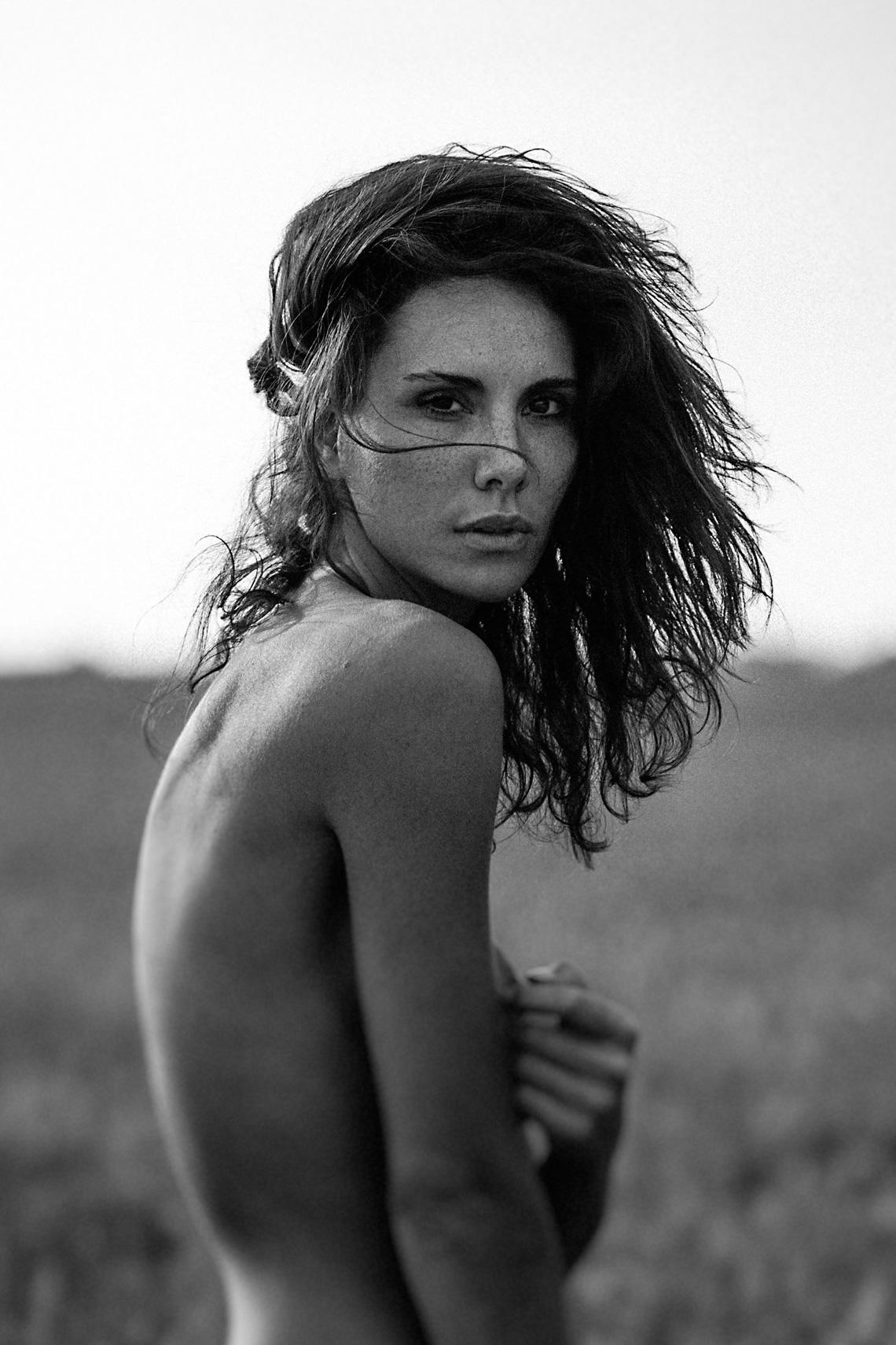 Andja Lorein by Nicolas Larriere