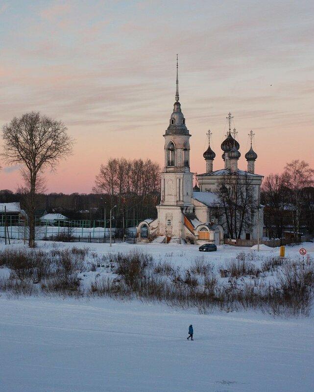 Закат в Вологде. Сретенская церковь (1731-1735)