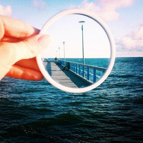 Зеркальные отражения в работах The Reflectionist (10 фото)