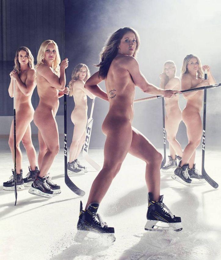 Женская хоккейная сборная США разделась