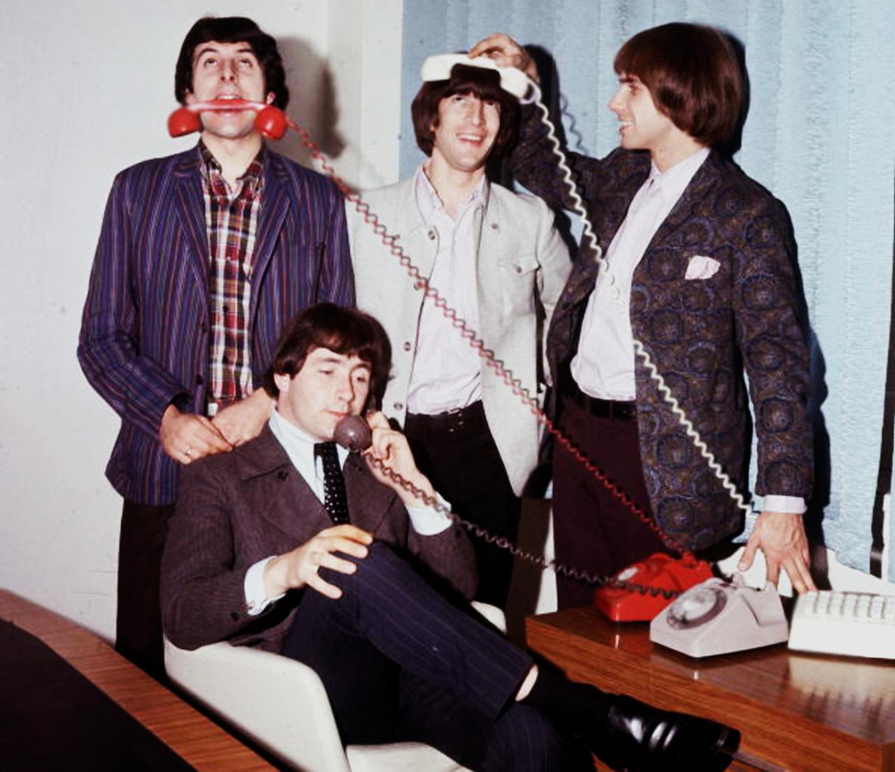 1966. «The Troggs»