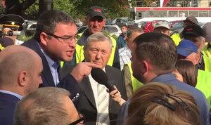 Усатый на протестах в Бельцах: «Я тебя в асфальт закатаю!»