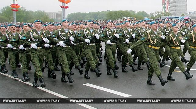 Военнослужащих и сотрудников военизированных организаций в Беларуси материально заинтересуют в продолжении службы