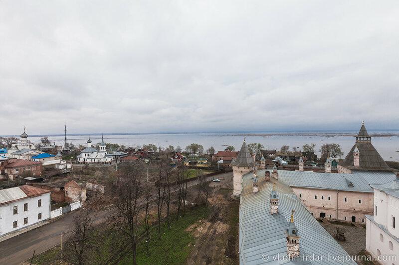 Озеро Неро. Вид со смотровой площадки Водяной башни.