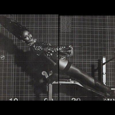 голая Rihanna Рианна