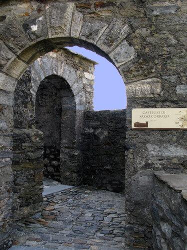 В замке Сассо Корбаро