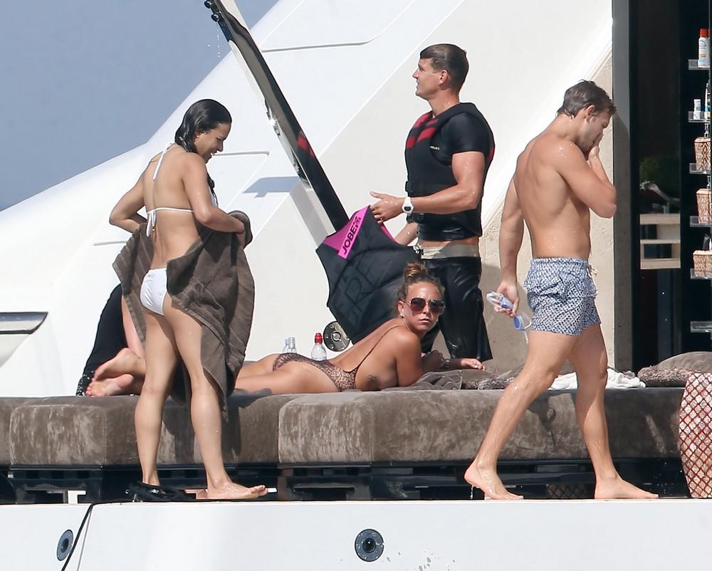Мишель Родригес в бикини