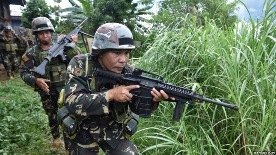 Филиппины: власти продлили военное положение на юге страны до декабря