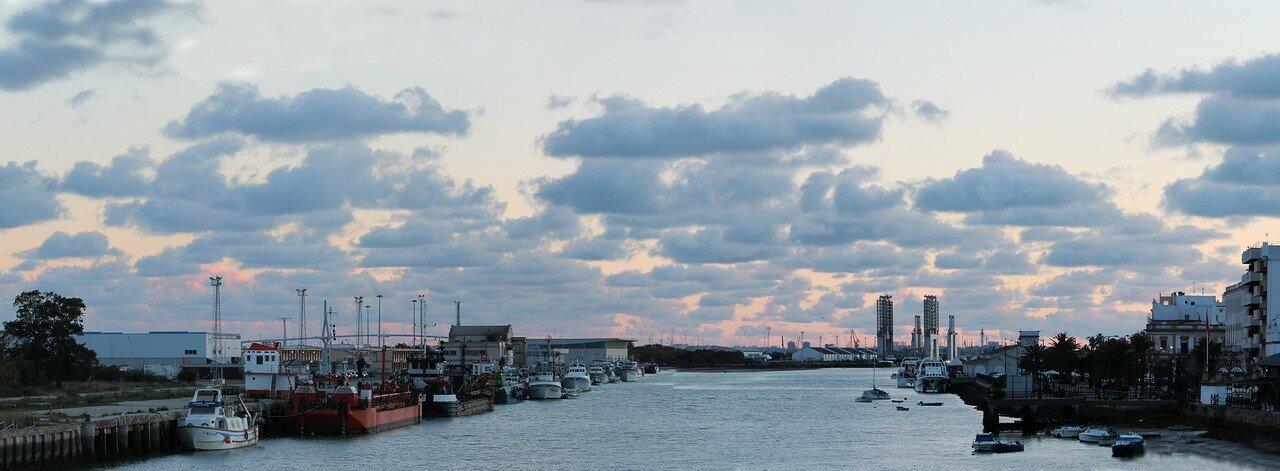 El Puerto de Santa Maria on sunset