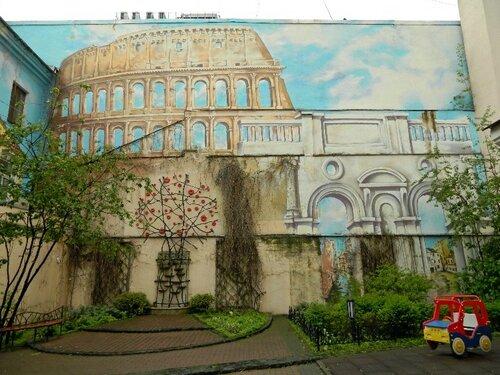 Итальянский дворик в Санкт-Петербурге