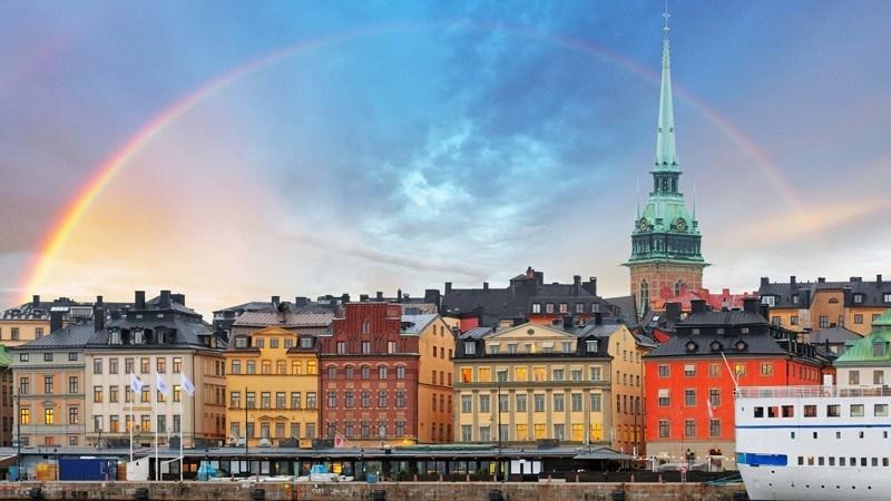 Большая часть населения страны относится к Евангелическо-лютеранской церкви Швеции. Однако эта прина