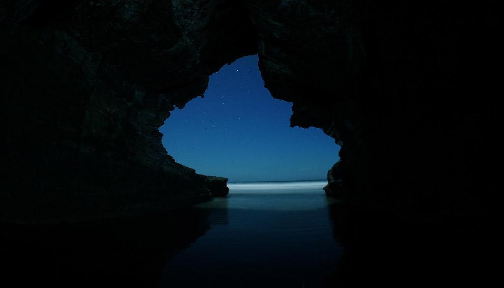 Птицы, солнечный свет и храм. Пещеры Бату — комплекс пещерных холмов и индуистских святынь в ра