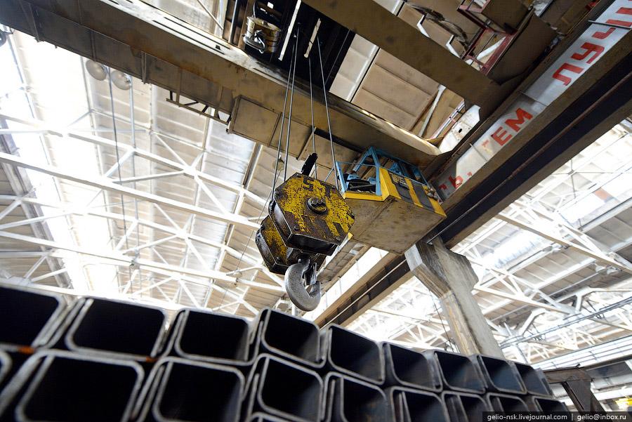 Имеет более чем полувековой опыт работы в области производства и конструирования механических прессо