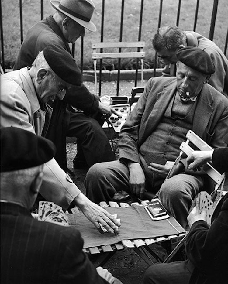 Повседневная жизнь послевоенного Парижа в фотографиях Sabine Weiss (14 фото)