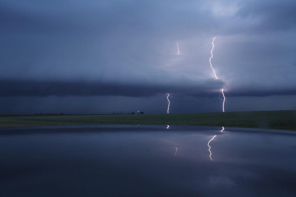 5. Вероятность поражения молнией наземного объекта растет по мере увеличения его высоты. (Фото