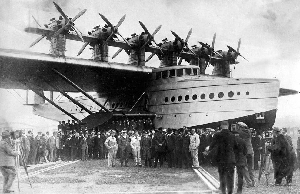 4. Do-X перед рекордным полетом, в котором он поднял в воздух 169 человек.