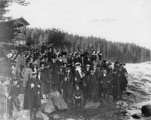 Группа членов Общества телесного воспитания, участников экскурсии на Иматру. Сентябрь 1909