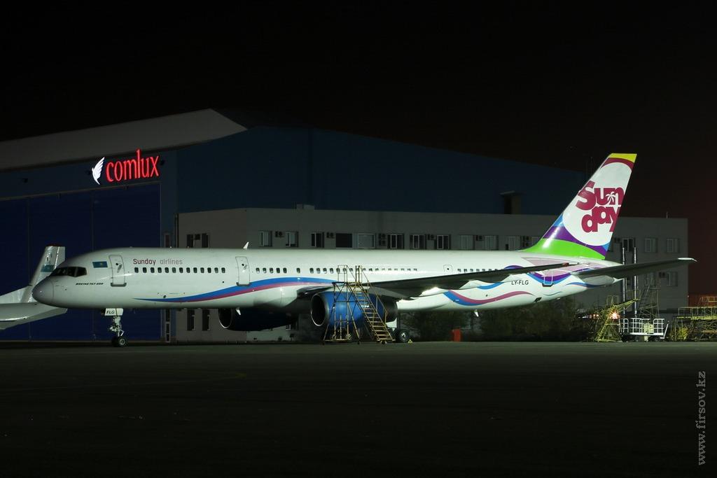 B-757_LY-FLG_SCAT_34_ALA_resize.jpg