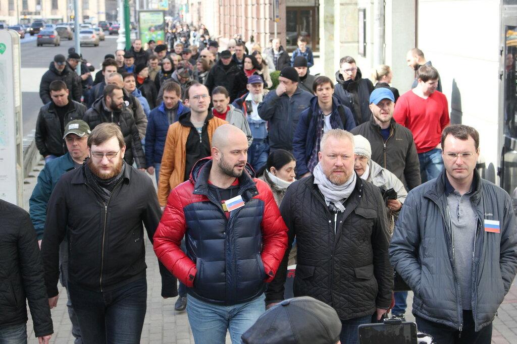 «Прогулка оппозиции» прошла на Красную площадь