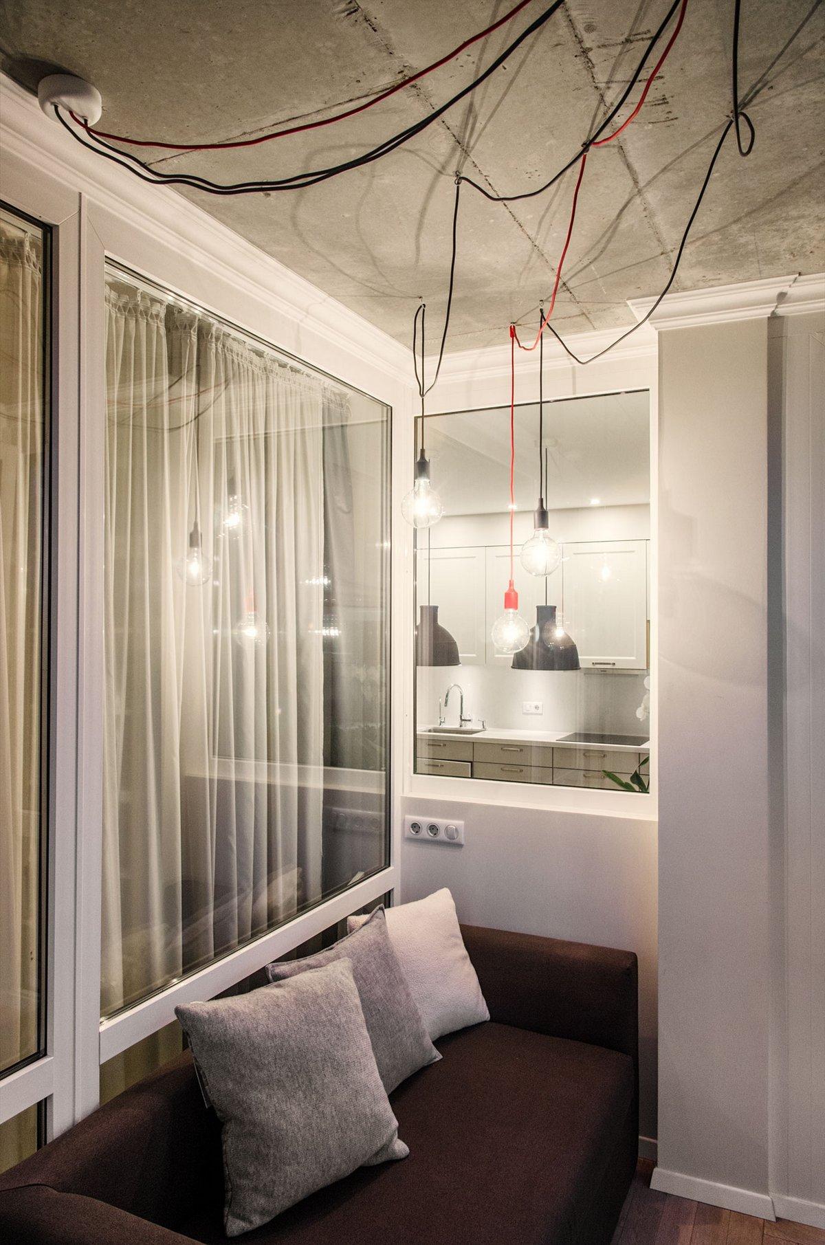 Провода на потолке квартиры