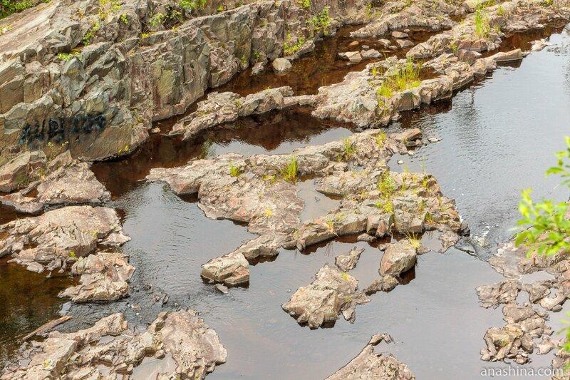 Древние лавы, река Суна, Карелия, вулкан Гирвас