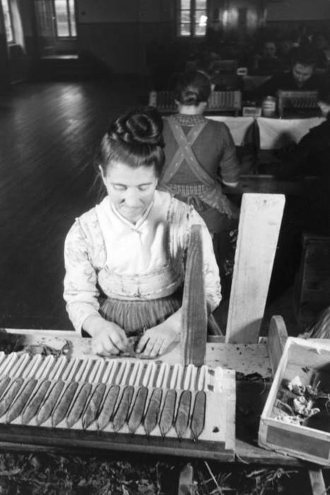 Zigarrenfabrik in Tracht, bei Marburg