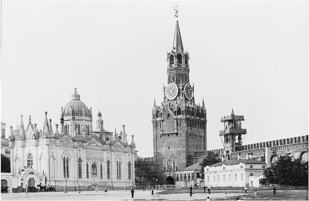 87659 Вид на Церковь Екатерины и Спасскую башню 1910-е.jpg