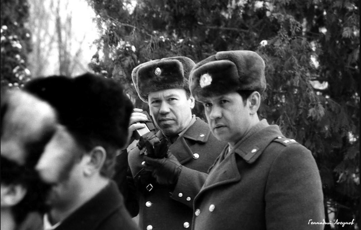 Нарядами милиции по охране общественного порядка руководят Двуреченский Валентин Петрович и Фефелов Вячеслав Васильевич