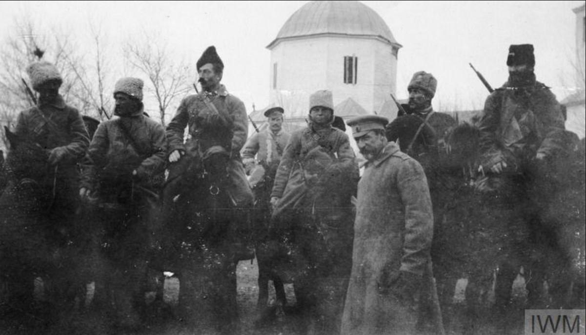 Генерал-майор Николай Антонович Погребняков, командир 6-й дивизией артиллерии (I Донской Корпус) с войсками 6-го кавалерийского полка, ноябрь 1919