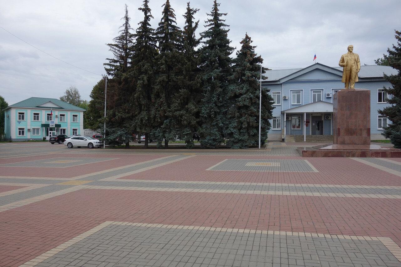 Красная площадь. Админская города и Ленин у суда