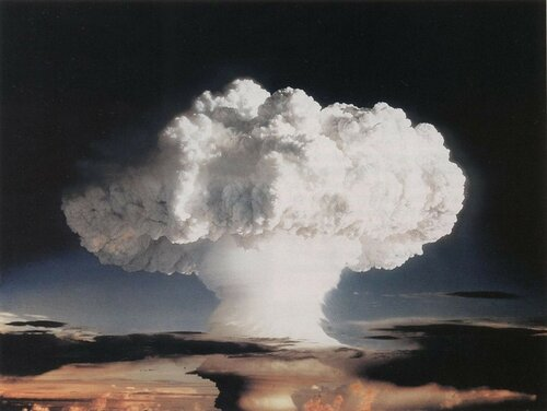 1280px--Ivy_Mike-_atmospheric_nuclear_test_-_November_1952_-_Flickr_-_The_Official_CTBTO_Photostream.jpg