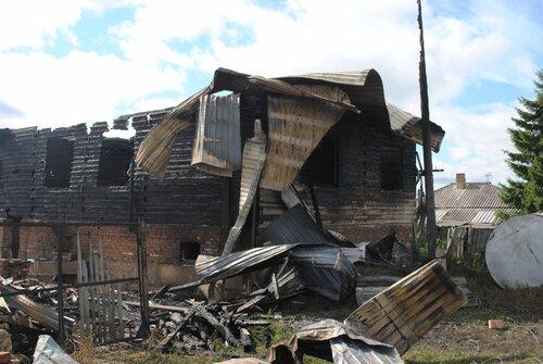 сгорели три дома в Абрамово