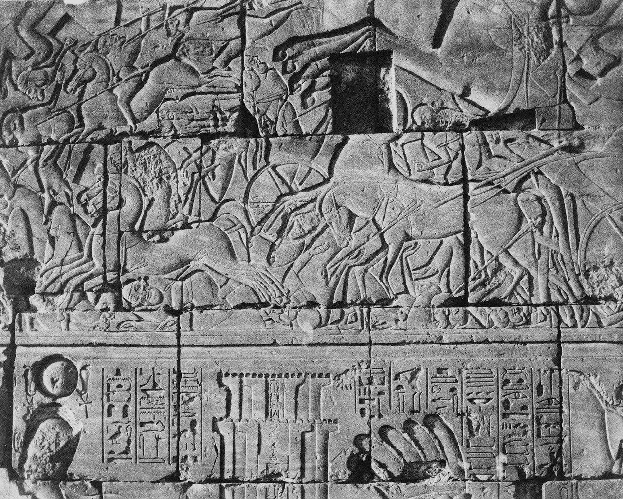 Карнак (Фивы).Роспись на стене храма. 1858