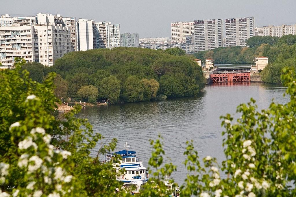 Шлюз № 10 канала им. Москвы