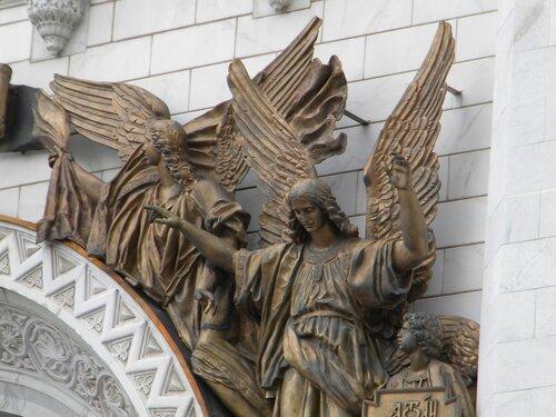 Ангелы. Храм Христа Спасителя