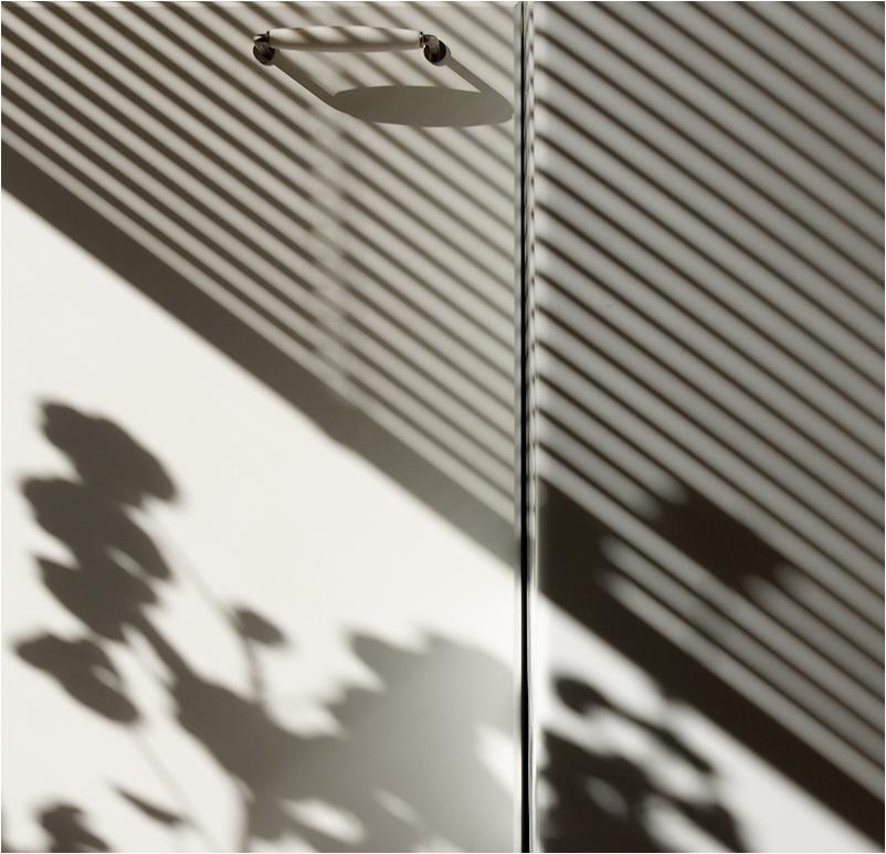 Кухонный этюд с тенями