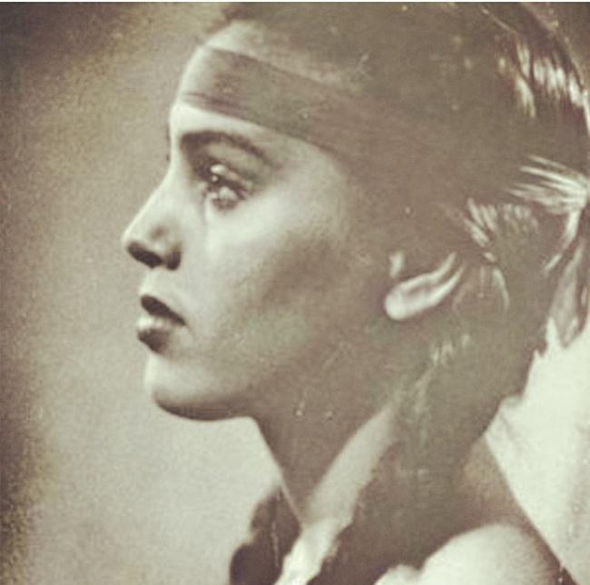 На фото бабушка актрисы Джессики Альбы в годы своей молодости.