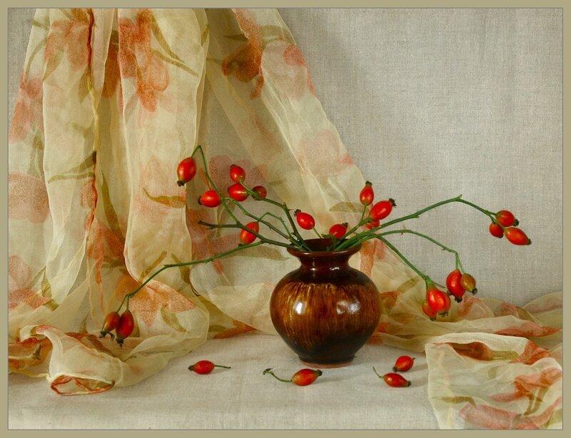 """Схема вышивки  """"Шиповник """": таблица цветов."""