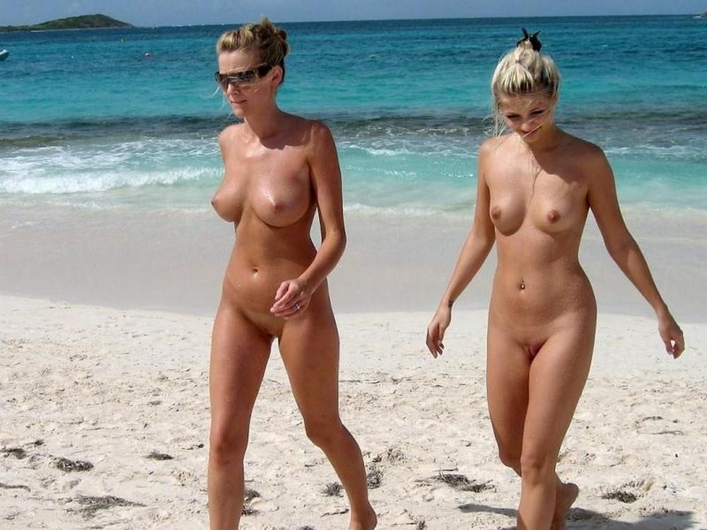 Видео Голый Пляж Смотреть Онлайн