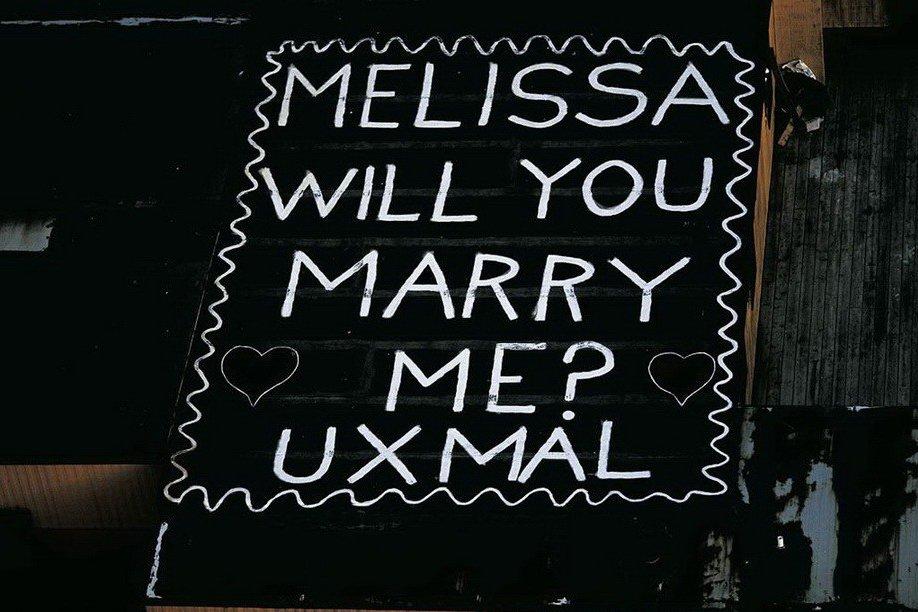 49. Гигантская надпись на вертолетной площадке в Нью-Йорке: «Мелисса, выйдешь за меня?»