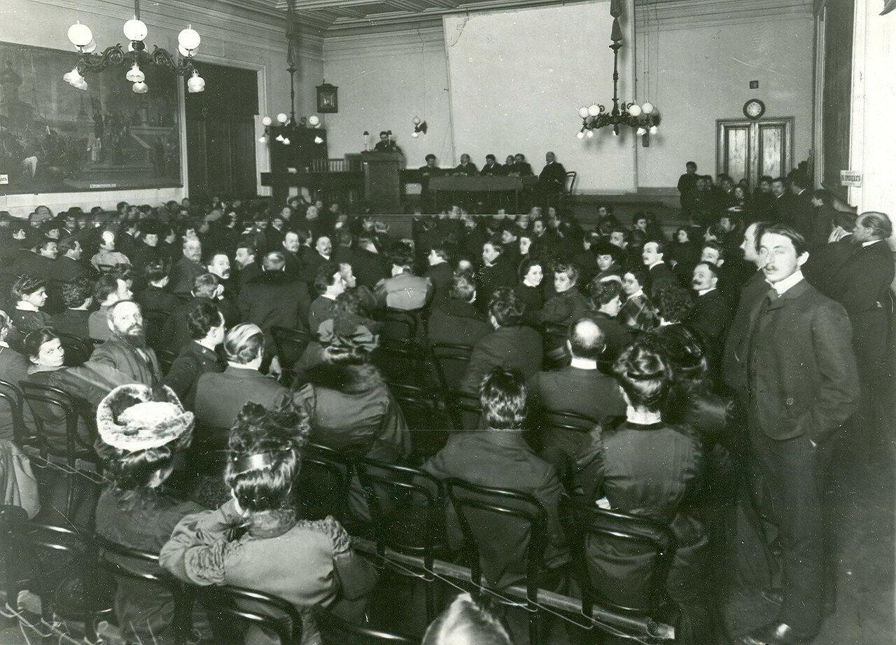 Заседане членов избирательной комиссии по выборам во Вторую Государственную думу в зале Соляного городка