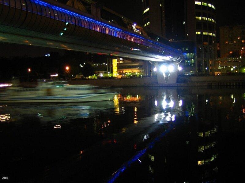 под багратионовским мостом